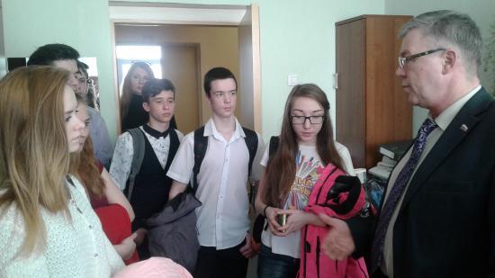 Экскурсия по Собранию депутатов для ребят 9-11 классов 17-й школы