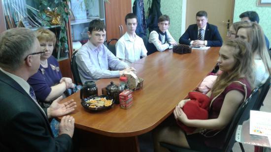 Юные гости задавали вопросы депутатам