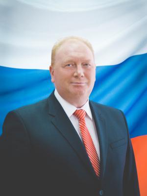 Депутат округа №8 Эдуард Брессель